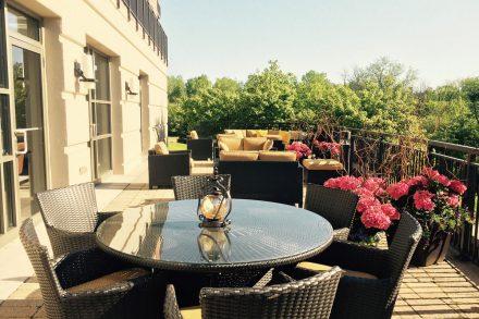 301 Riverwalk Place Lounge Terrace