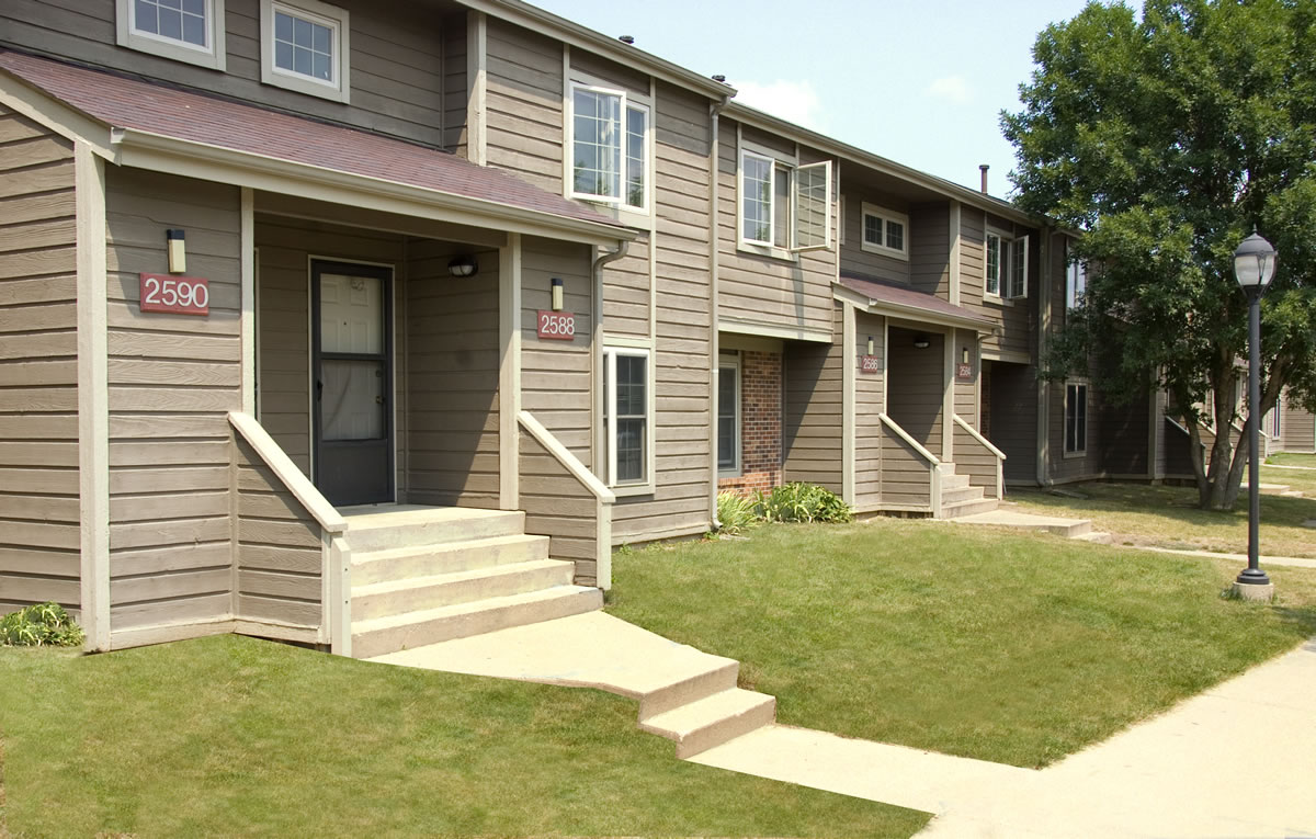 3 Bedroom Apartments Champaign Il Willow Springs Condos Condominiums Urbana Il One Bedroom