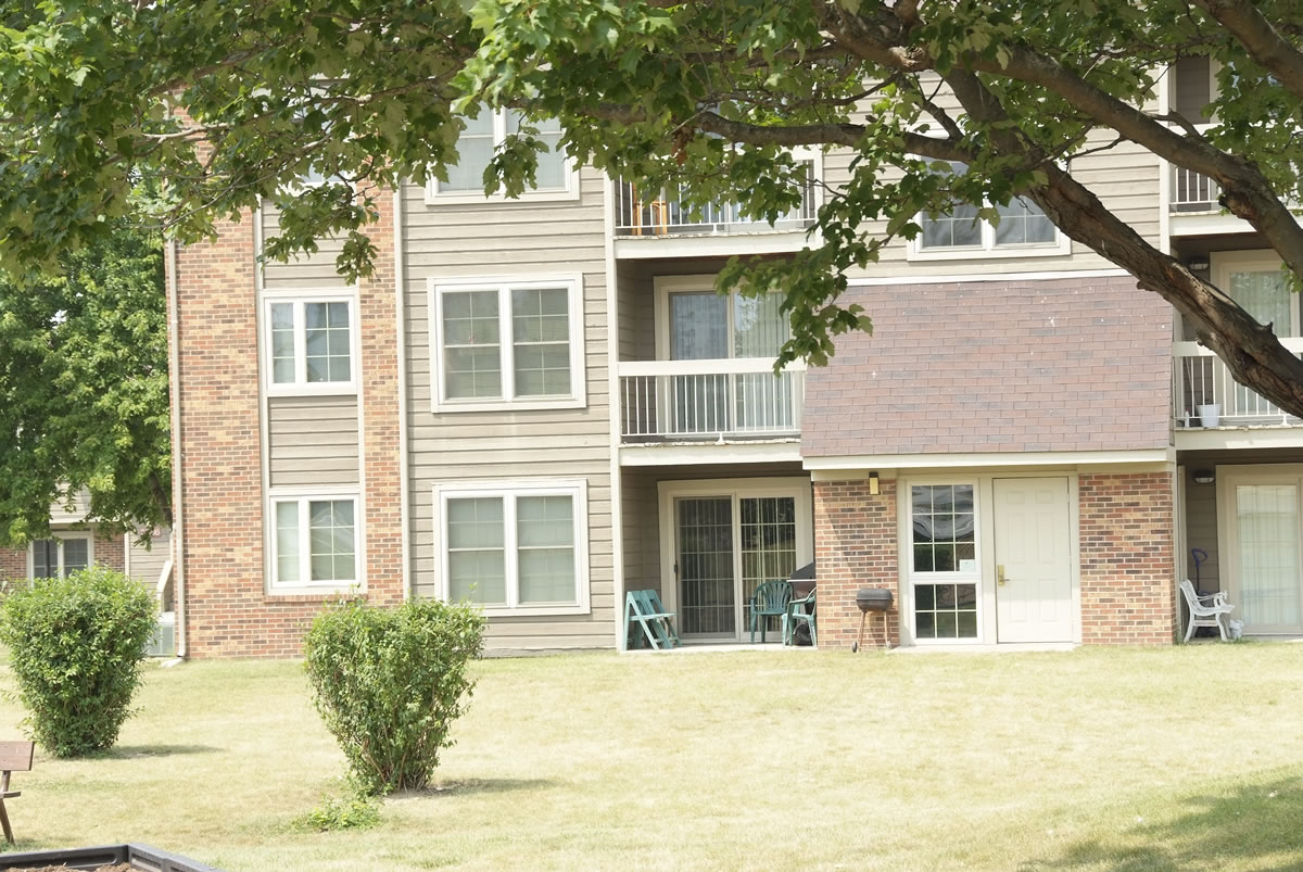 Countrybrook Apartments Champaign Il 1 2 And 3 Bedroom