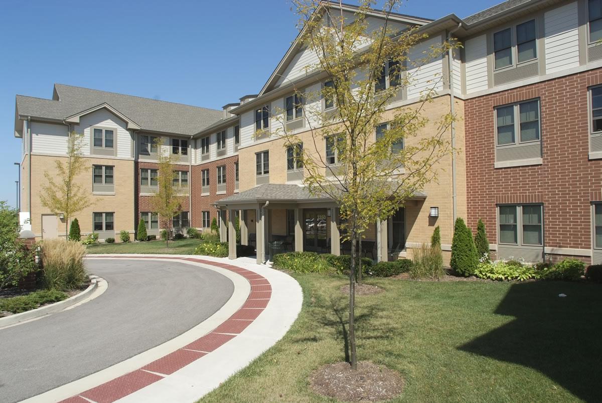Diamond senior apartments of oswego oswego il 1 2 bedrooms for One bedroom senior apartments